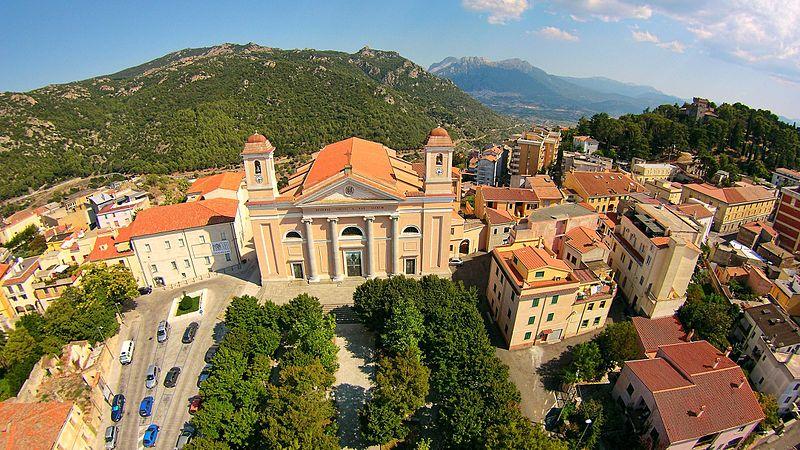 Un pueblo de Italia vende sus propiedades en 25 pesos