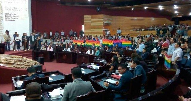 Se aprueba en Hidalgo dictamen de matrimonio igualitario