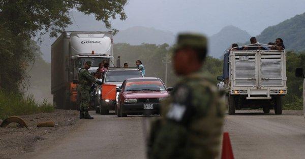¿Es considerado un delito entrar a México sin papeles?