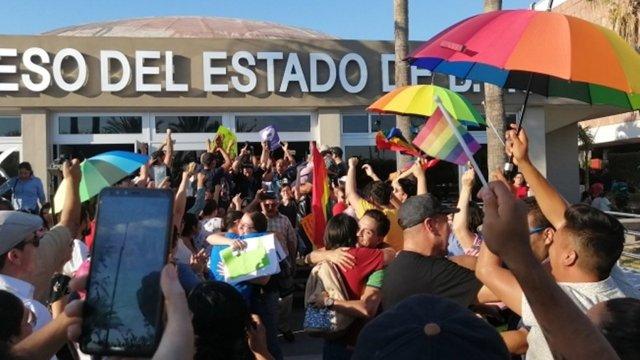 Aprueban matrimonio igualitario en Baja California Sur