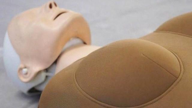 2019 y apenas surge el primer maniquí femenino de primeros auxilios