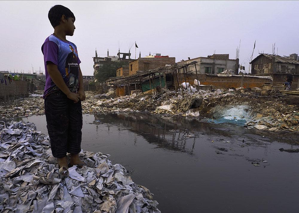 Curtidoras de cuero contaminan Bangladesh