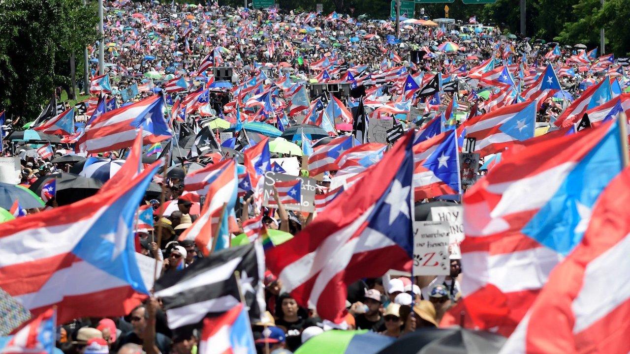Renuncia gobernador de Puerto Rico