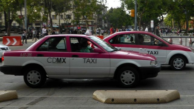Taxistas fingen pela para secuestrar a menores
