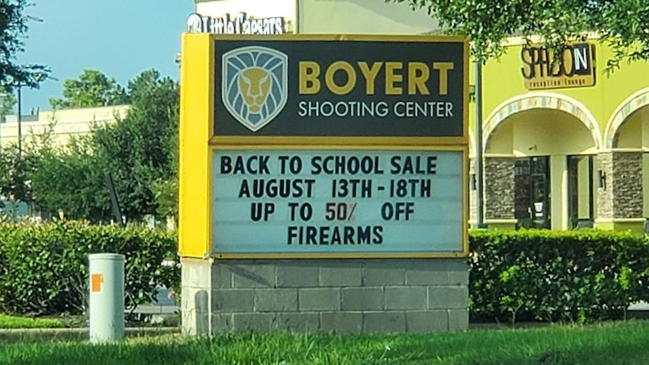 Armas a mitad de precio por regreso a clases