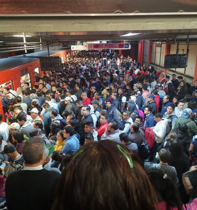 Fallo en tren genera retrasos en línea 7 de Metro en CDMX