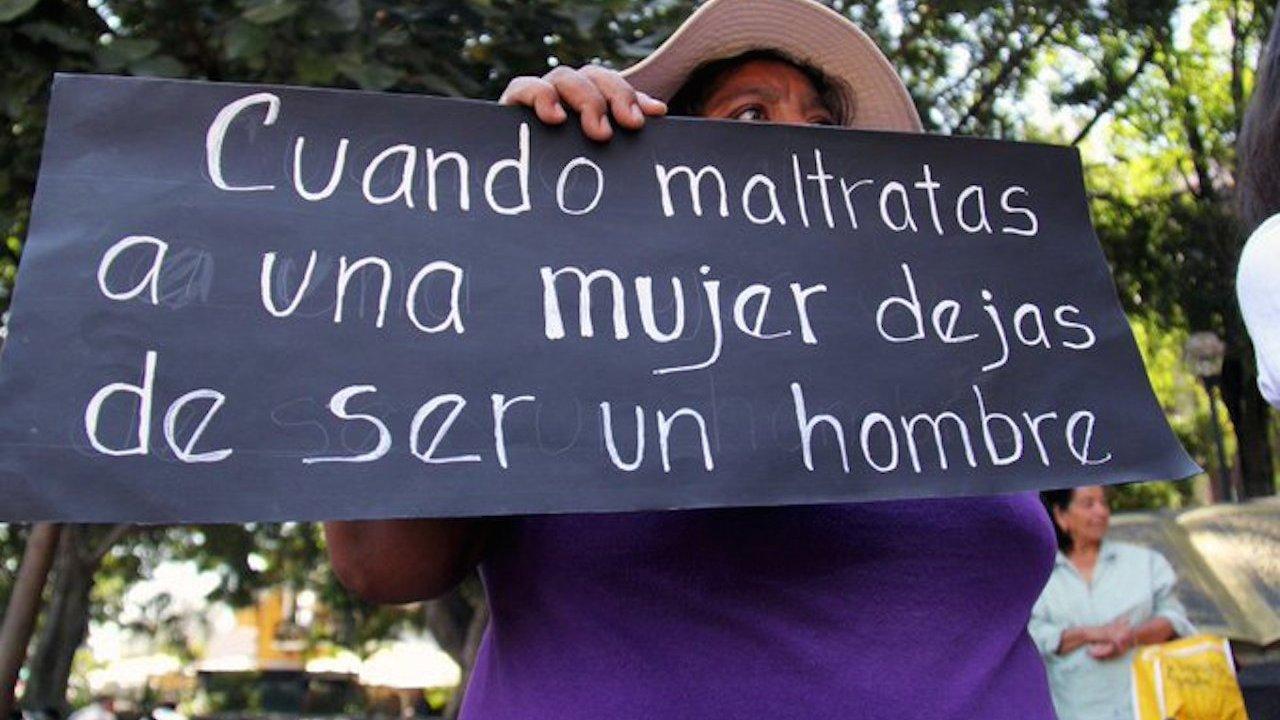 Moren propone castigar con siete años de carcel el acoso callejero