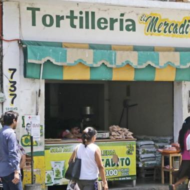Celaya se queda sin tortillas por extorsiones del narco