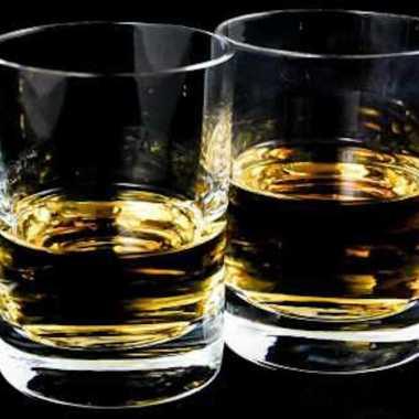 En México 45% del alcohol que consumimos es adulterado