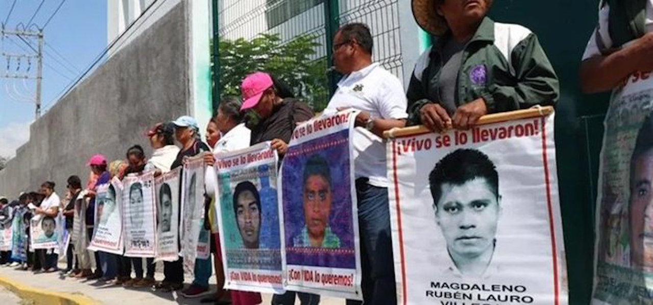 Escuelas y facultades se van a paro por 5 años de ayotzinapa