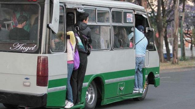 Aumenta 250% el robo a usuarios de microbús en la CDMX