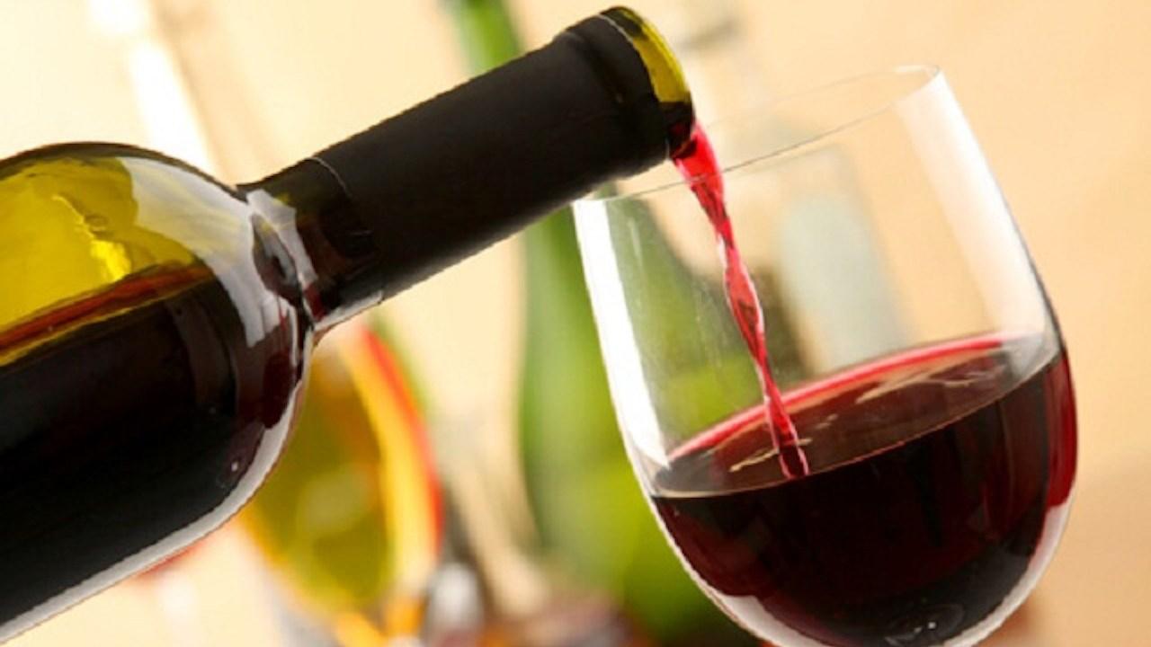 15/02/18 Vino-tinto-alzheimer-estudio/ copa de vino