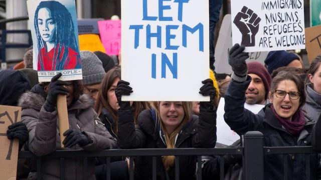 Multan en Nueva York por discurso xenófobo y discriminación