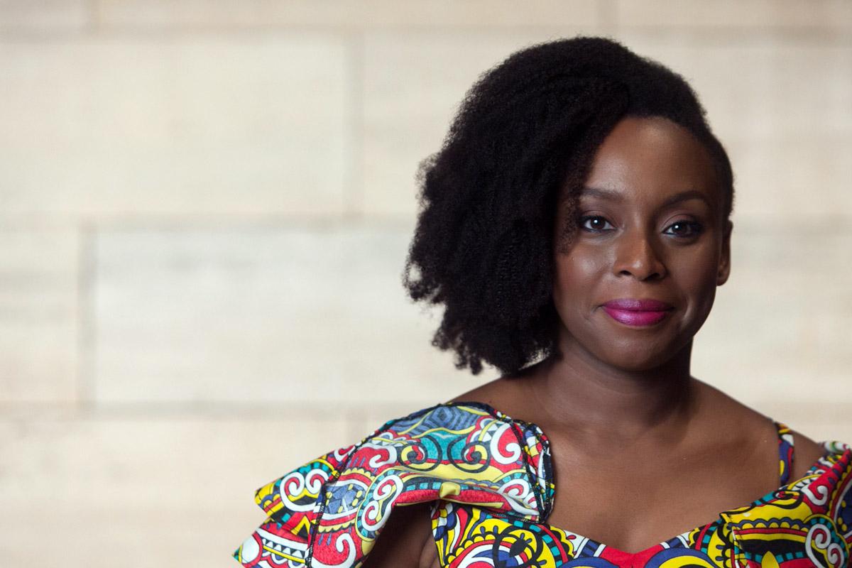 Chimamanda Adichie, feminista destacada de la década.