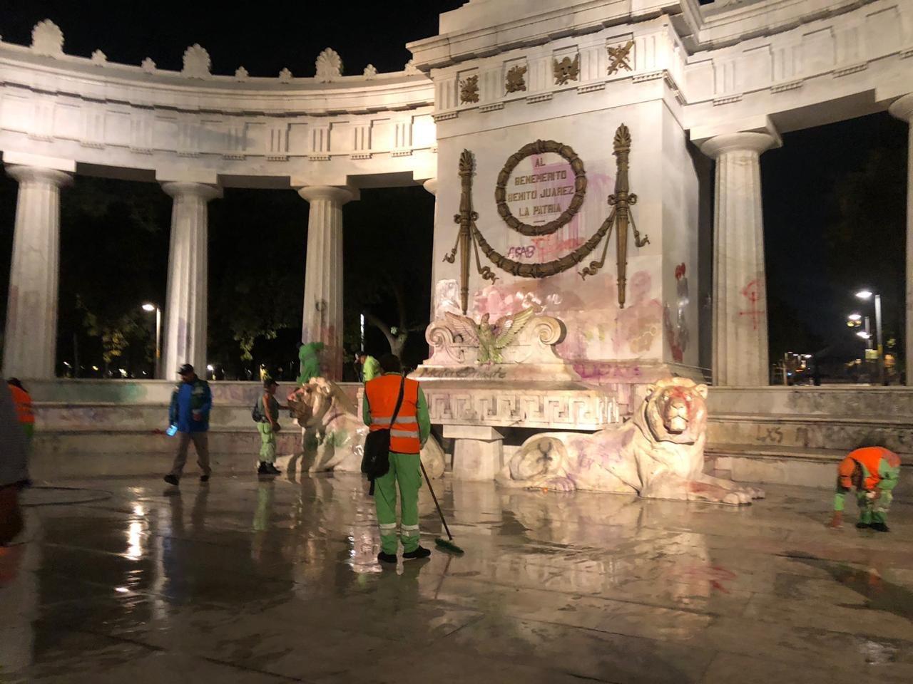 Se dañaron monumentos en Reforma por mala limpieza