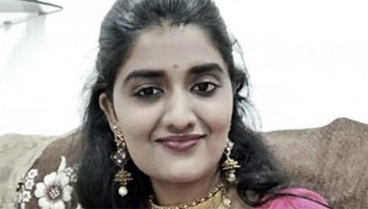 Conmociona asesinato de joven veterinaria en la India.