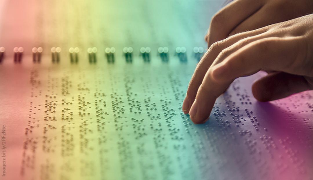 Alumna UNAM crea libro braille para identificar colores