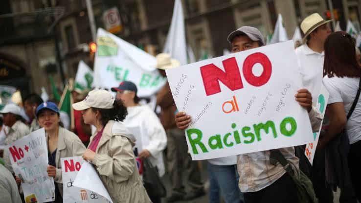 Mujer llama 'sucios ilegales' a familia hispana