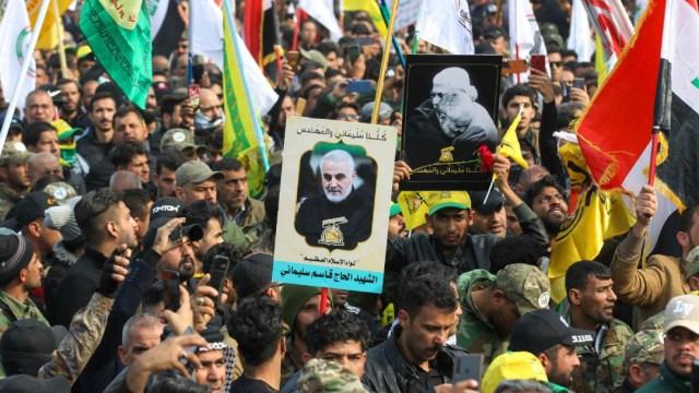 Iranies en Calles de Teheran Clamando Venganza Contra Estados Unidos por muerte de Suleimani