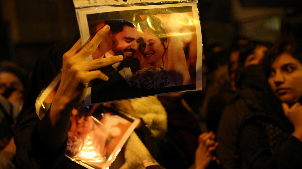 """Continúan Protestas Por Derribo De Avión Ucraniano En Irán: """"Nuestro Enemigo Está Aquí"""""""