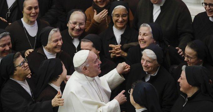 Cae número de monjas por abuso laboral y sexual, según el Vaticano