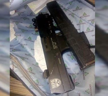 En Nuevo Léon encontraron una submetralladora en la mochila de un estudiante
