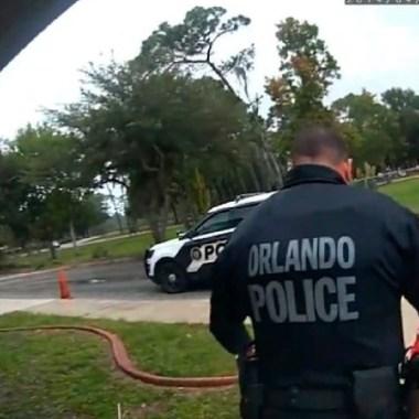 Niña de seis años le suplica a un policía mientras es arrestada (Imagen: Mediatize)