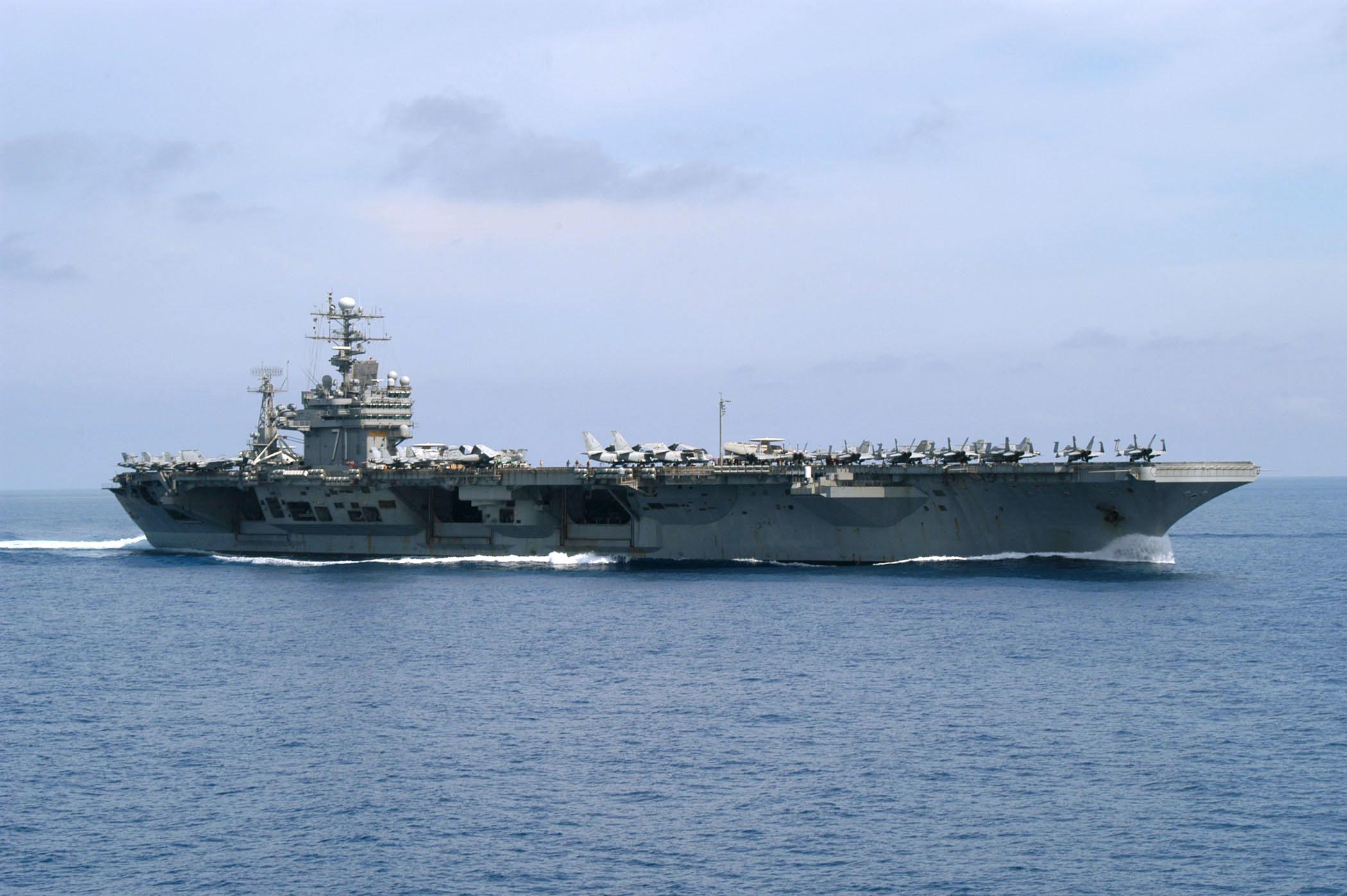 Hasta la marina de EEUU afectada por coronavirus; retiran a personal que alertó situación