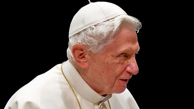 Benedicto XVI, Matrimonio Homosexual, Anticristo, Libro
