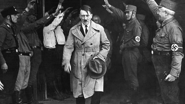 convertiran-adolf-hitler-nazi-casa-estacion-policia