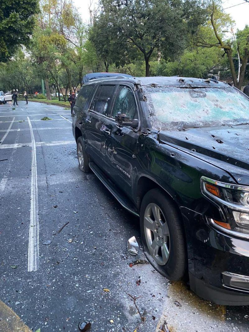 Camioneta de Omar García Harfuch tras el atentado que sufrió el Secretario de Seguridad Ciudadana de la CDMX