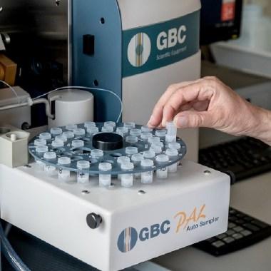 Se puede detectar el alzhéimer con un análisis de sangre, el análisis detecta una proteína que daña al cerebro