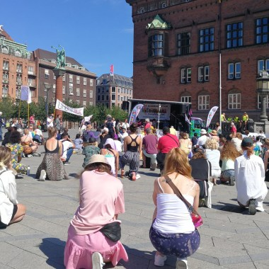 Protestas muerte en Dinamarca; Autoridades de Dinamarca aseguran que el asesinato de un negro a manos de dos hombres con tatuajes nazis no es un crimen de odio
