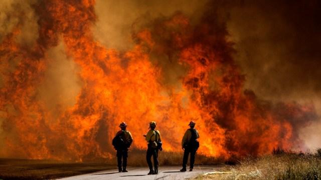 Incendio afuera de LA destruyeron el equivalente a 15 Bosques de Chapultepec