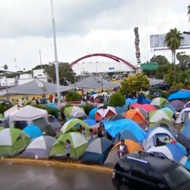 Migrantes en frontera enfrentan temor por coronavirus y no entrar a EEUU