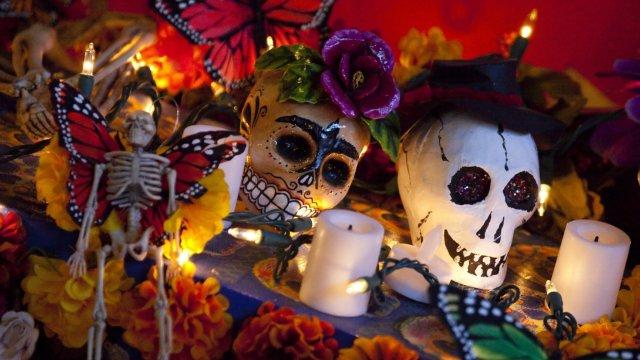 Día de Muertos chicano: así se celebra del otro lado de la frontera