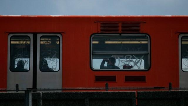 Mujer apuñalada metro intento de robo