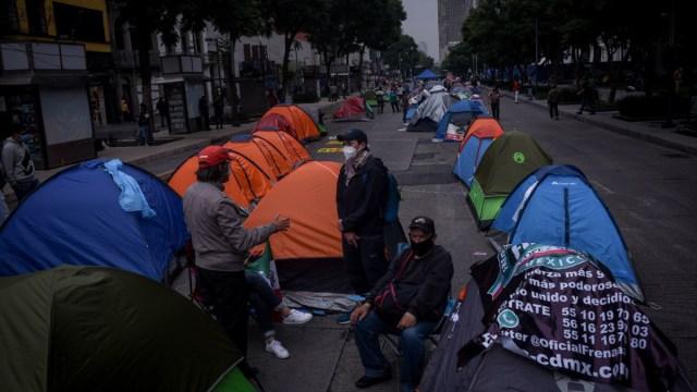 Personas en situación de calle se llevan casas de campaña del FRENAAA