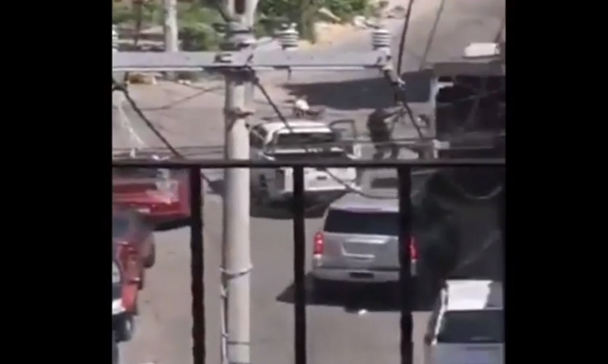 Enfrentamiento entre policías y dos hombres armados deja dos muertos en Acapulco, Guerrero