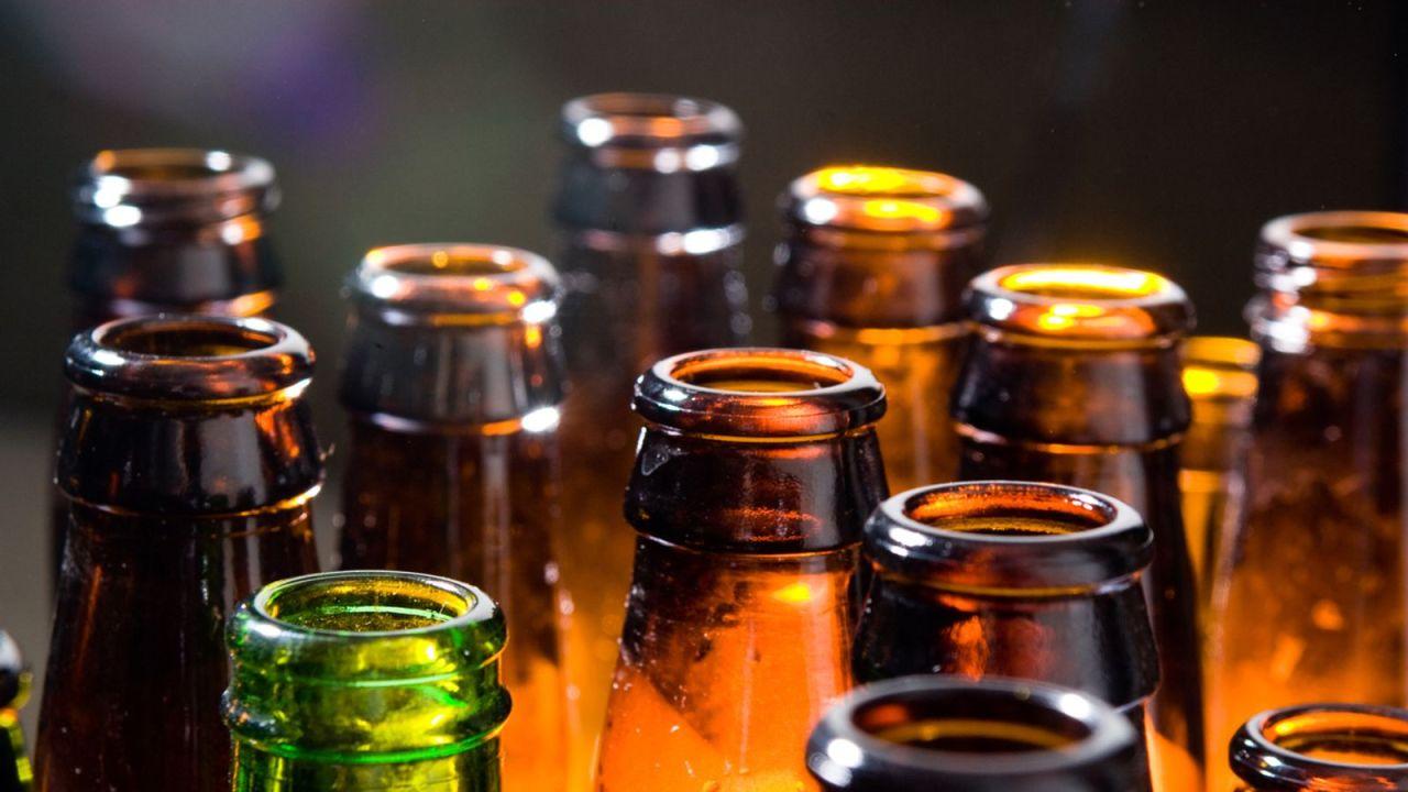 Ante pandemia, crecen muertes por intoxicación de alcohol adulterado en México