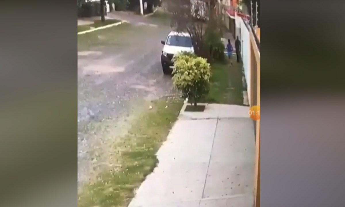 En Jalisco, capturaron en video el momento en el que un hombre arrojó semen a mujer mientras corría, Captura de Pantalla