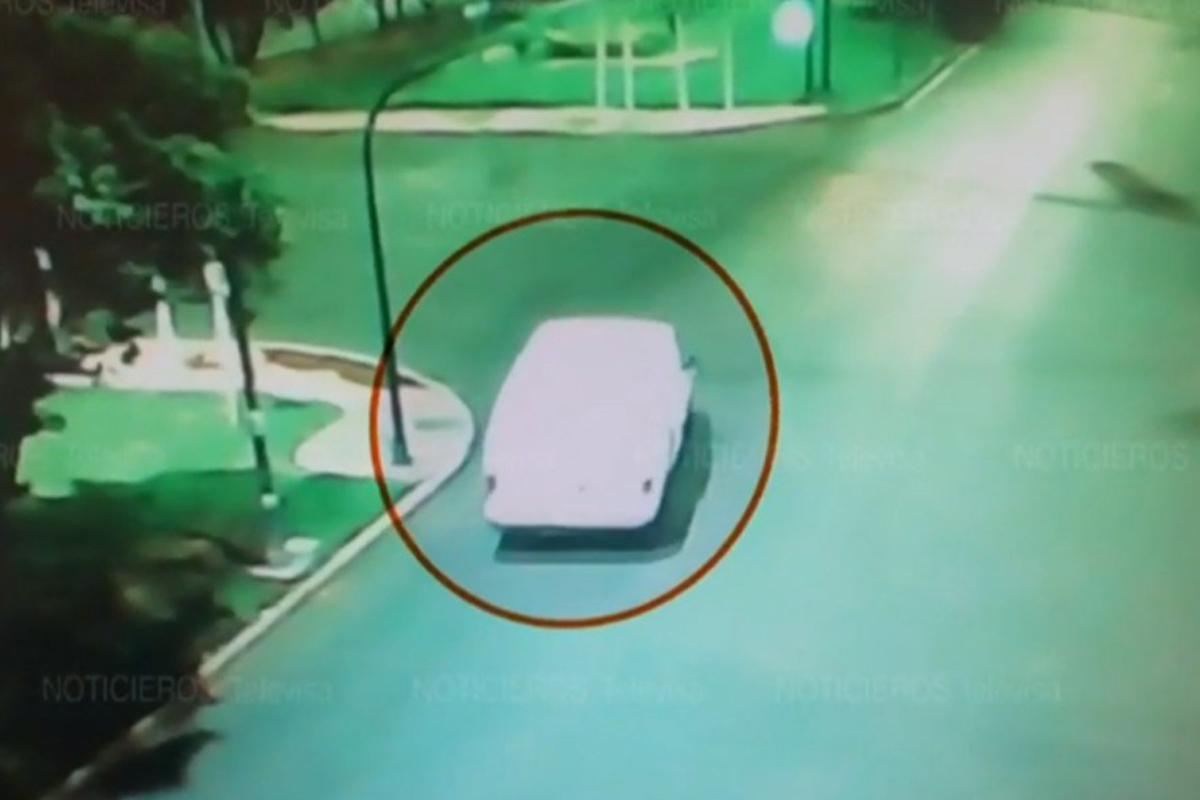 Cámaras particulares captaron el momento en que ocurrió el secuestro de Karla y y Christopher en un bar de Azcapotzalco