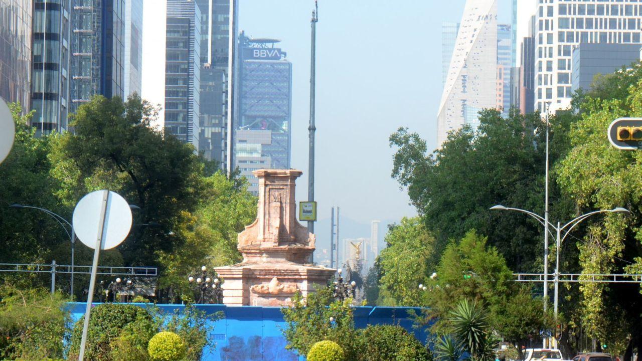 Quitan estatua Cristobal Colón Paseo de la Reforma