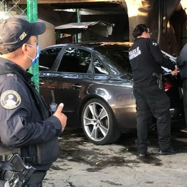 """En la CDMX, un vengador anónimo"""" tomó la justicia en su manos y disparó sobre su asaltante de 14 años. Fue detenido por las autoridades"""