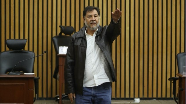 Fernández Noroña niega usar cubrebocas sesión INE