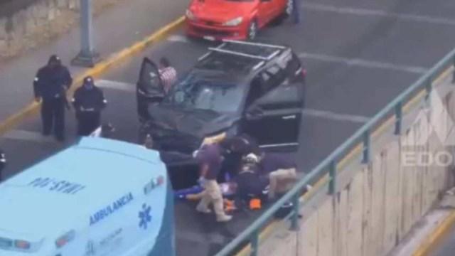 [Video] Tras asalto en Naucalpan, familiares atropellan a presuntos delincuentes