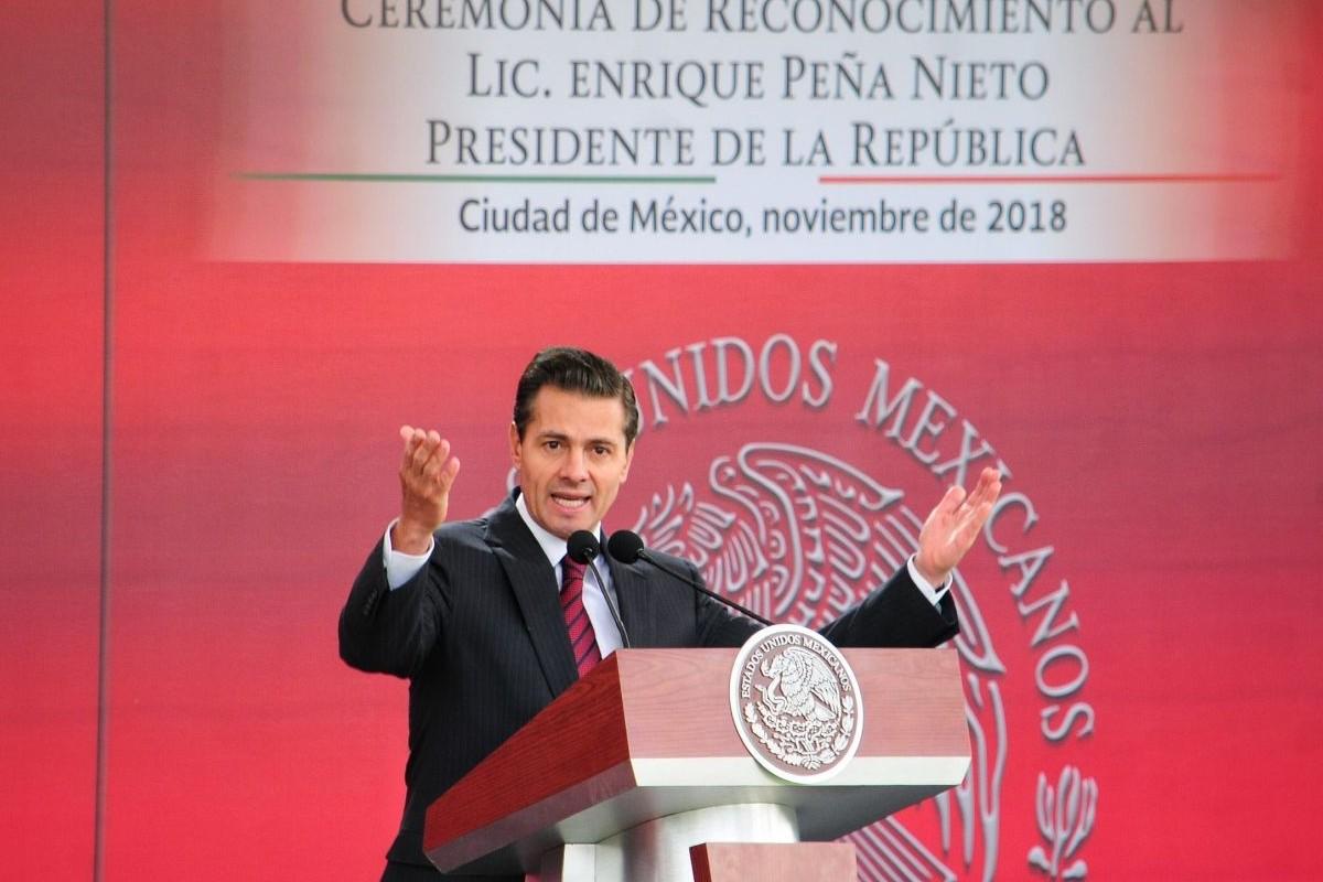 FGR acusa a Peña Nieto de traición y de líder criminal