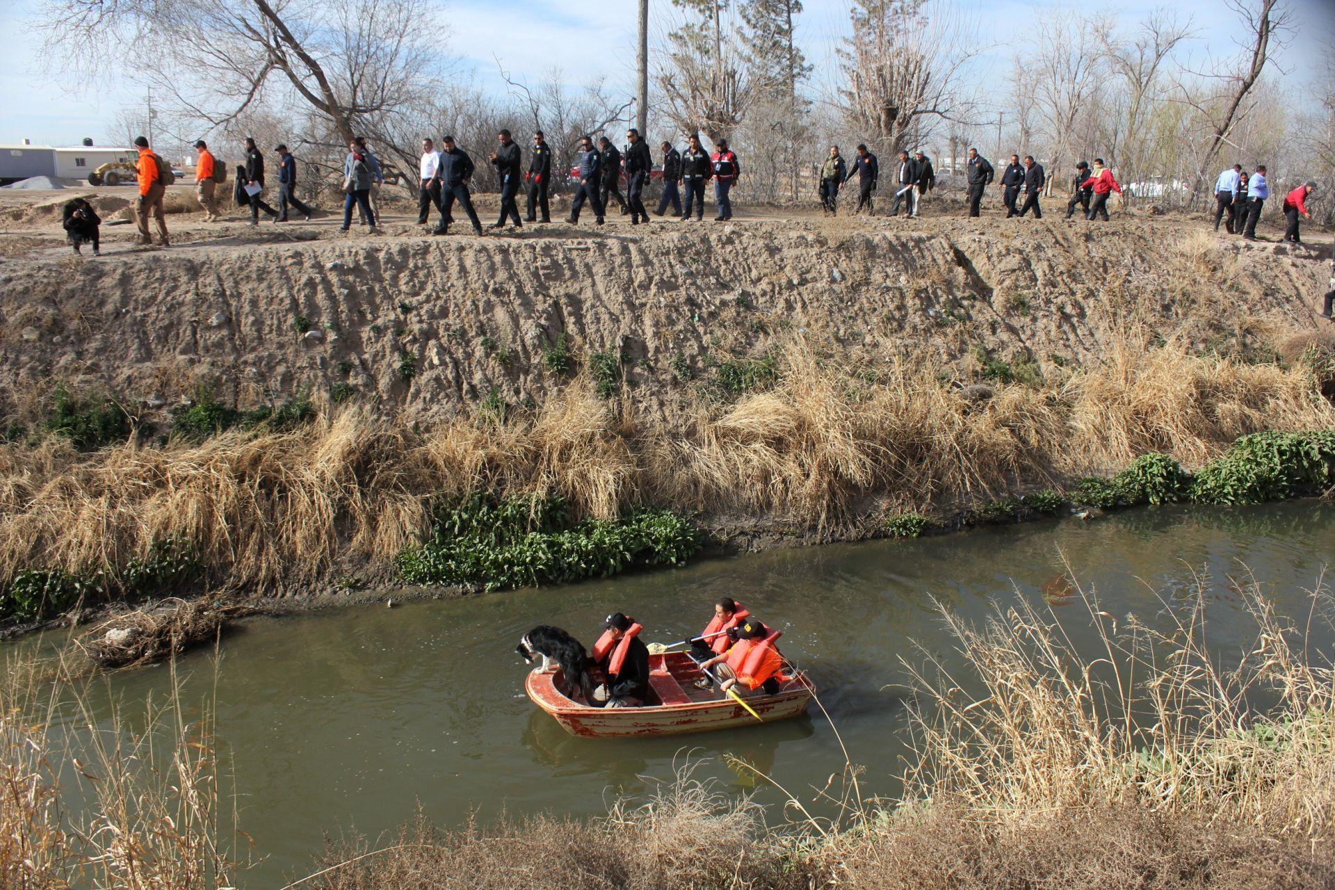 Elementos de la Patrulla Fronteriza y el ICE en la frontera con México