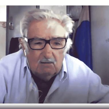 Mujica felicita a AMLO