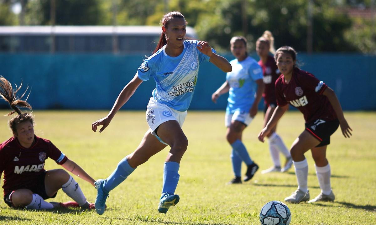 Mara Gómez debuta y es la primera jugadora trans en la Primera División de Argentina